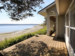 Oceanfront home with gorgeous views, easy beach access, peaceful location