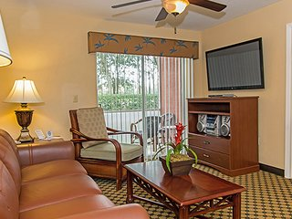 Spacious Villa Between Universal & Disney w/ Heated Resort Pools & Free Parking