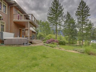 Dog-friendly home w/ private sauna, hot tub, & huge deck w/ views of the Gorge