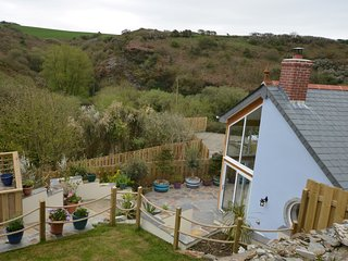 59568 Cottage situated in Tintagel (2mls SE)
