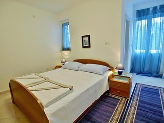 Room Rab (S-12616-b)