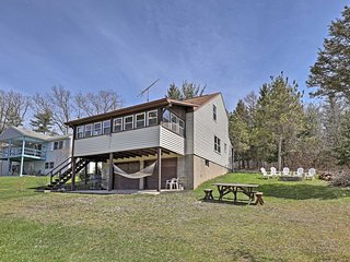Home Near Owasco Lake w/Grill, Fire Pit & 3 Kayaks!