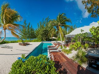 FALL SPECIAL - 5BR Tres Chic Cottage - White Cottage by Luxury Cayman Villas