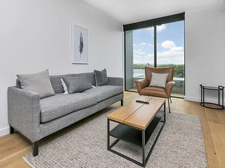 Boutique One Bedroom Apartment Brand New Complex Carpark Included