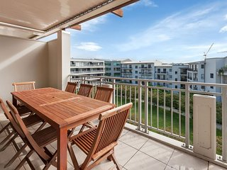 Auckland Viaduct Apartment 2 Bedrooms, 2 Bathrooms,  Carpark