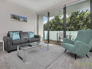 Sunny One Bedroom Apartment in the Wynyard Quarter