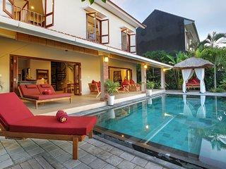 Villa Subak - Gorgeous 3 Bedroom Pool Villa overlooking Rice Paddy