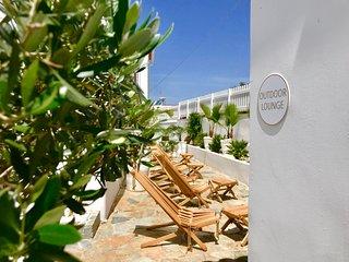 ALMYRIDA SANDS-VILLA SIGMA-100 m de la plage de sable fin à pieds-pour 11 pers