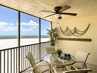 Waterfront Fort Myers Beach Condo w/ Pool Access!