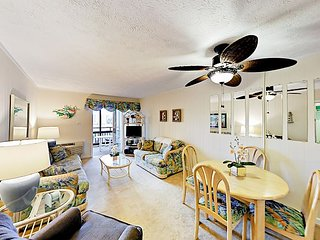 Mariner's Cove 2BR Beach Condo w/ 2 Private Balconies & Huge Outdoor Pool