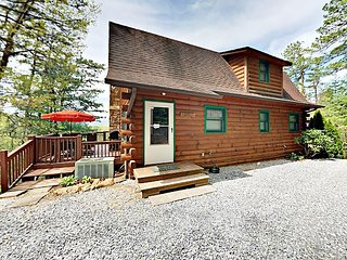 Secluded 2BR Log Cabin w/ Mountain Views, Wraparound Deck & Private Hot Tub