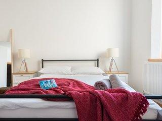 Spacious 3 bed apartment in Bristol City Centre