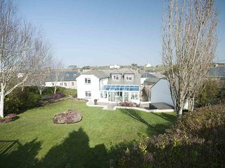 The Orchard - contemporary house, Crantock Village