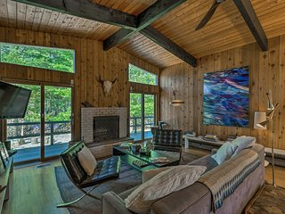 NEW! Chic East Hampton House w/ Pool and Fire Pit!