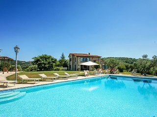 Villa with private pool, air conditioning, SPA, gym, ping pong, table football