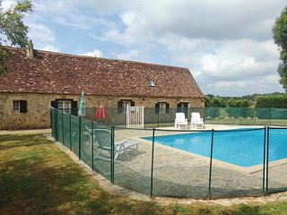 4 bedroom Villa in Eglise-Neuve-d'Issac, Nouvelle-Aquitaine, France : ref 552192