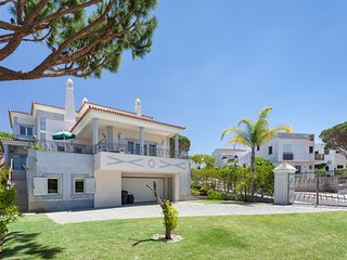 Vale do Lobo Villa Sleeps 12 with Pool Air Con and WiFi - 5480134
