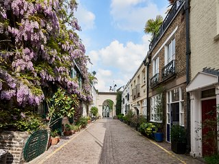Fabulous Kensington London Mews House with lovely roof garden