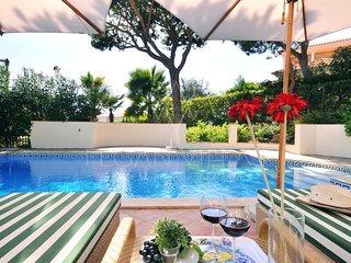 4 bedroom Villa in Vale do Garrao, Faro, Portugal : ref 5489443