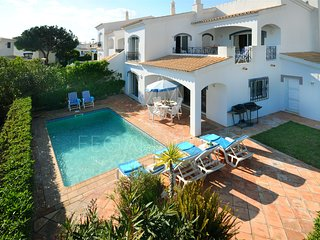 3 bedroom Villa in Vale do Garrao, Faro, Portugal : ref 5489448