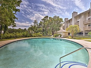 NEW! Hilton Head Island Apt - Pool, 5 Min to Beach