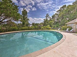 NEW! Hilton Head Island Apt - Pool, 5 Min to Beach