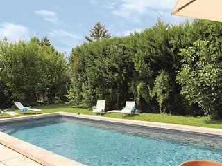3 bedroom Villa in L'Isle-sur-la-Sorgue, Provence-Alpes-Cote d'Azur, France : re
