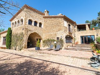 6 bedroom Villa in Santa Susanna de Peralta, Catalonia, Spain : ref 5624423