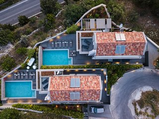 Aspro Estate Villas, Two Luxury Villas rented as one, ideal for big Groups
