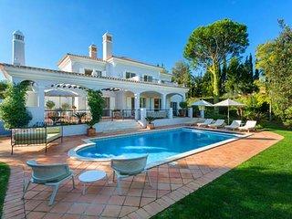 4 bedroom Villa in Quinta do Lago, Faro, Portugal : ref 5480257