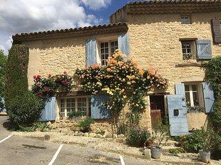 Cote Chateau - Maison du 16eme siecle 6 pers. 3 chambres 2 sdb. Clim.Terrasses