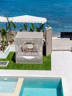 A bird's eye view of the pool terrace and the beach!