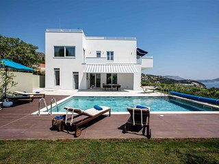 Villa Bella Orasac - Modern villa with pool and garden near Dubrovnik