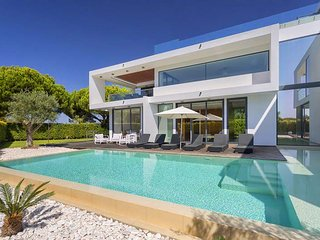 4 bedroom Villa in Vale do Garrao, Faro, Portugal : ref 5480141