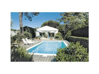 3 bedroom Villa in Les Grenettes, Nouvelle-Aquitaine, France : ref 5522132