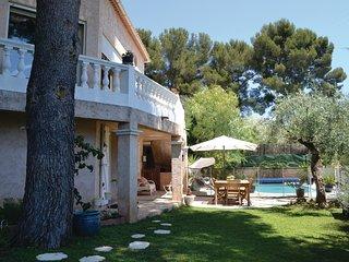 2 bedroom Apartment in La Valette-du-Var, Provence-Alpes-Cote d'Azur, France : r