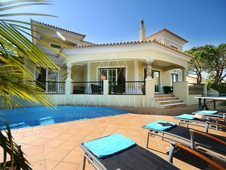 3 bedroom Villa with Pool, Air Con and WiFi - 5489452