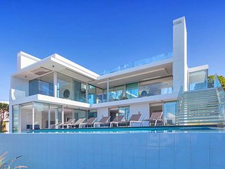 5 bedroom Villa in Vale do Lobo, Faro, Portugal : ref 5480243