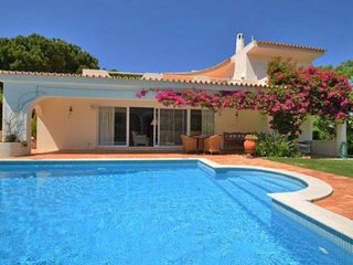 3 bedroom Villa in Vale do Garrao, Faro, Portugal : ref 5480081
