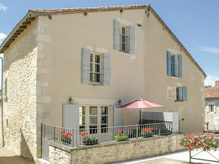 2 bedroom Villa in Monsec, Nouvelle-Aquitaine, France : ref 5521893