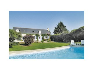 4 bedroom Villa in Beaumont-la-Ronce, Centre, France : ref 5522194