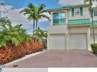 'The Beach House' 3,000 SF ACROSS ST FROM BEACH!