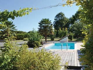 3 bedroom Villa in Nuaille-sur-Boutonne, Nouvelle-Aquitaine, France - 5522131