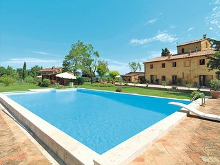 2 bedroom Apartment in Poggibonsi, Tuscany, Italy : ref 5447491