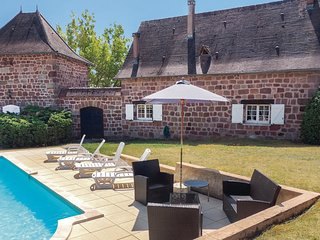 6 bedroom Villa in La Charnie, Nouvelle-Aquitaine, France - 5521921