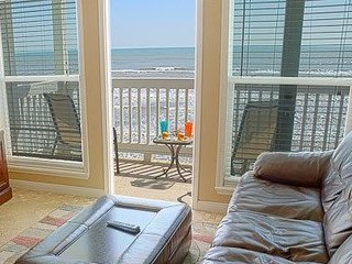 Beautiful Beach Front Condos #837440
