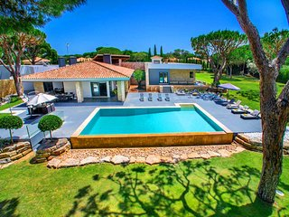 9 bedroom Villa in Quinta do Lago, Faro, Portugal : ref 5479808