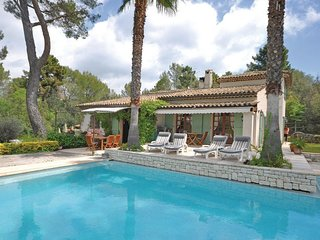 4 bedroom Villa in Etoile-Saint-Cyrice, Provence-Alpes-Cote d'Azur, France : ref