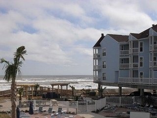 Beautiful Condos on the Beach 2105