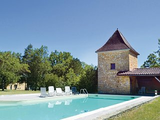 4 bedroom Villa in Pezuls, Nouvelle-Aquitaine, France : ref 5521917